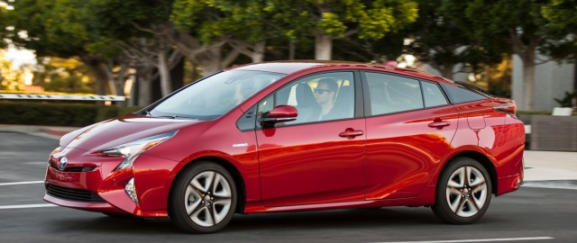 2016-Toyota-Prius-Four-Touring-front-three-quarter-in-motion-01.jpg