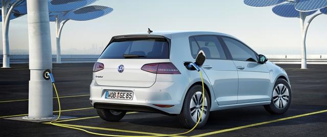 Volkswagen_e-Golf-3-1111.jpg
