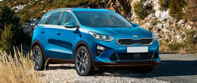 Kia_Ceed_SUV_render_front_blue_parked_1.jpg